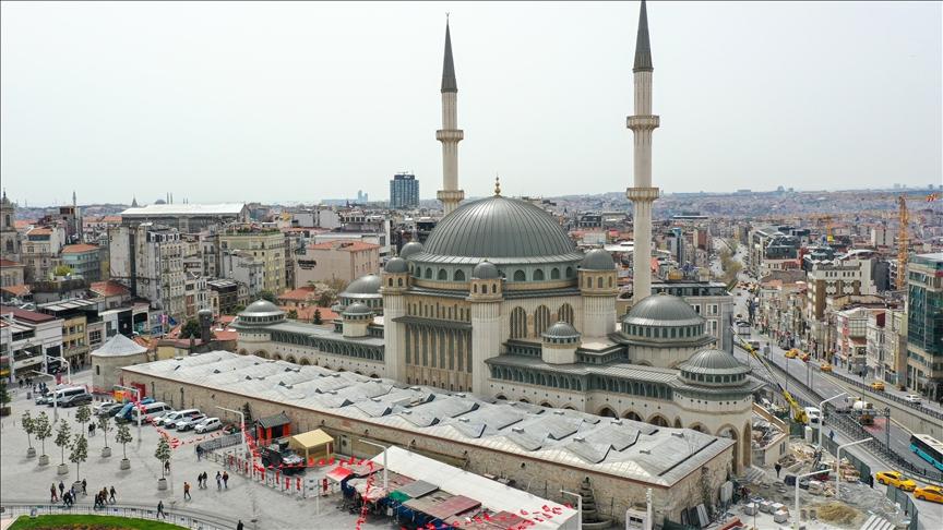 .. إسطنبول .. افتتاح مسجد تقسيم في آخر جمعة من رمضان