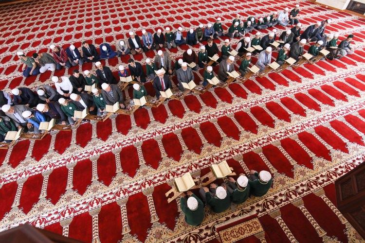 المُقابلة .. طريقة عثمانية لختم القرآن في رمضان اقتداءً بالنبي صلى الله عليه وسلم ..