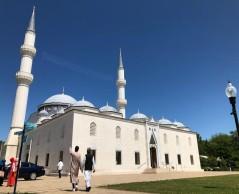 مسجد تركي ينشر الاعتدال والتعايش الديني بواشنطن  ..