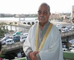 أستاذنا العالم الجليل الدكتور محمد عمارة .. نسأل الله العظيم رب العرش العظيم أن يشفيك  ..